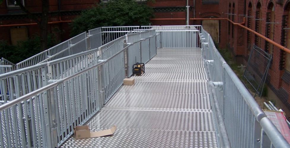 Rollstuhlfahrer gerechte Rampe — Hafencity